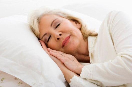 con la edad y el calor dormimos peor