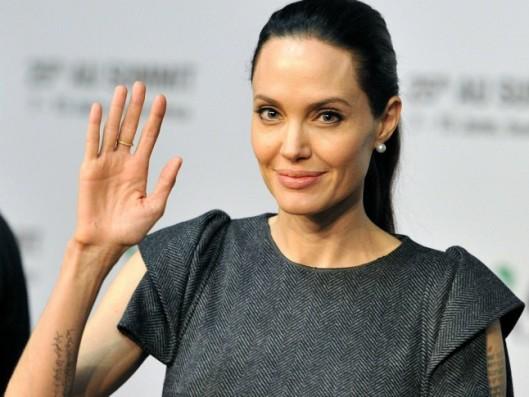 Angelina-Jolie-Landscape